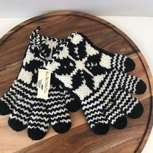 Hand Knit winter gloves/mittens Snowflake Cold